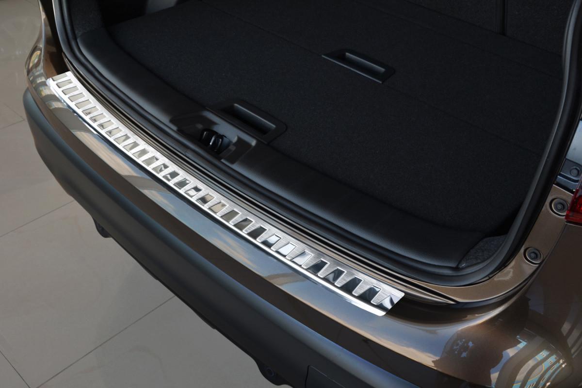 Ochranná lišta hrany kufru Nissan Qashqai 2013-2017