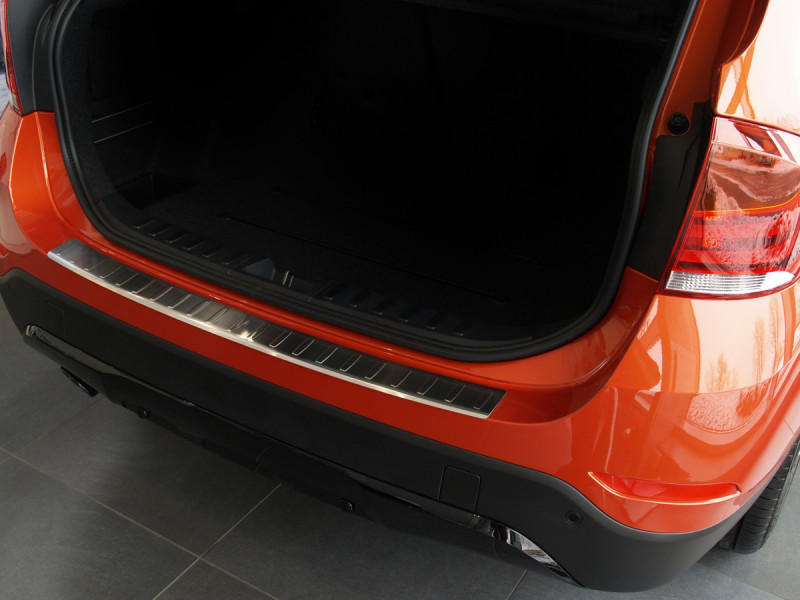 Ochranná lišta hrany kufru BMW X1 2009-2012 (E84)