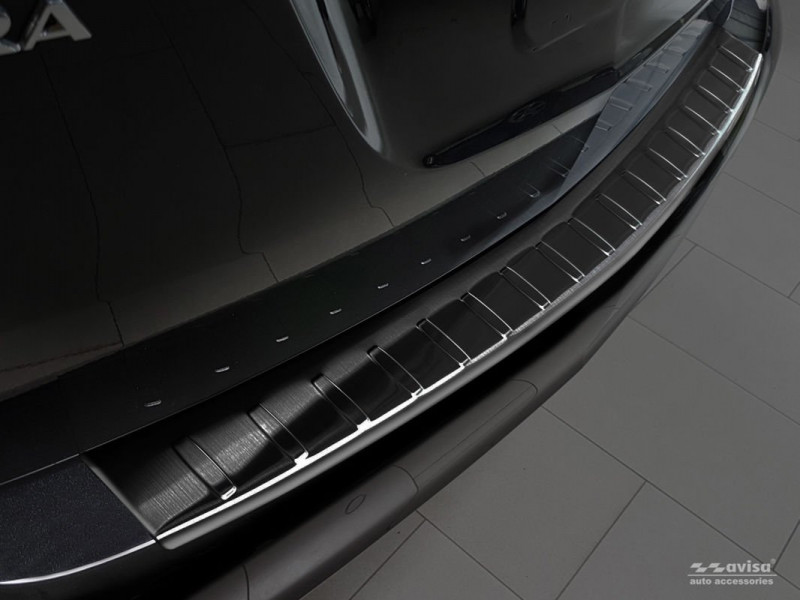 Ochranná lišta hrany kufru Opel Zafira C 2012-2019 (tmavá)