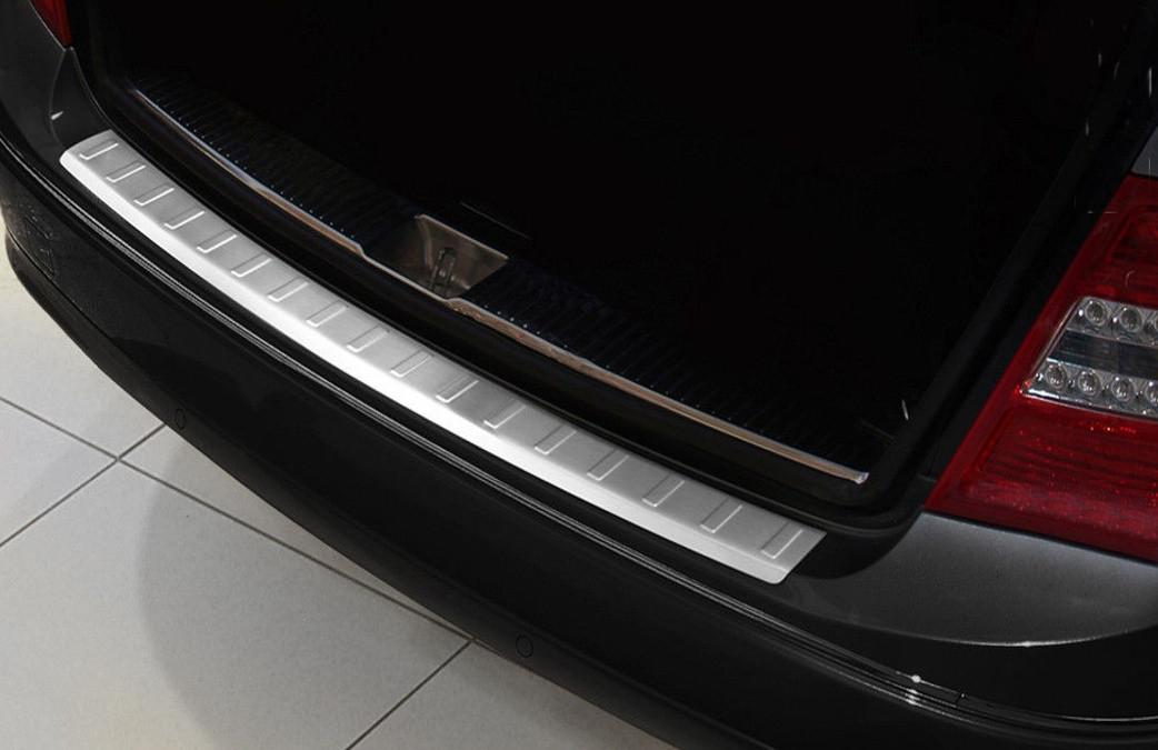Ochranná lišta hrany kufru Mercedes C-Class 2007-2011 (combi, matná)