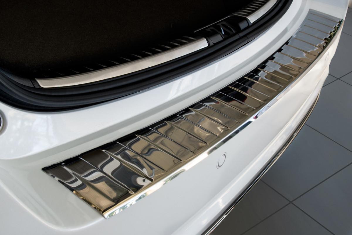 Ochranná lišta hrany kufru Toyota Auris 2015-2019 (hb)