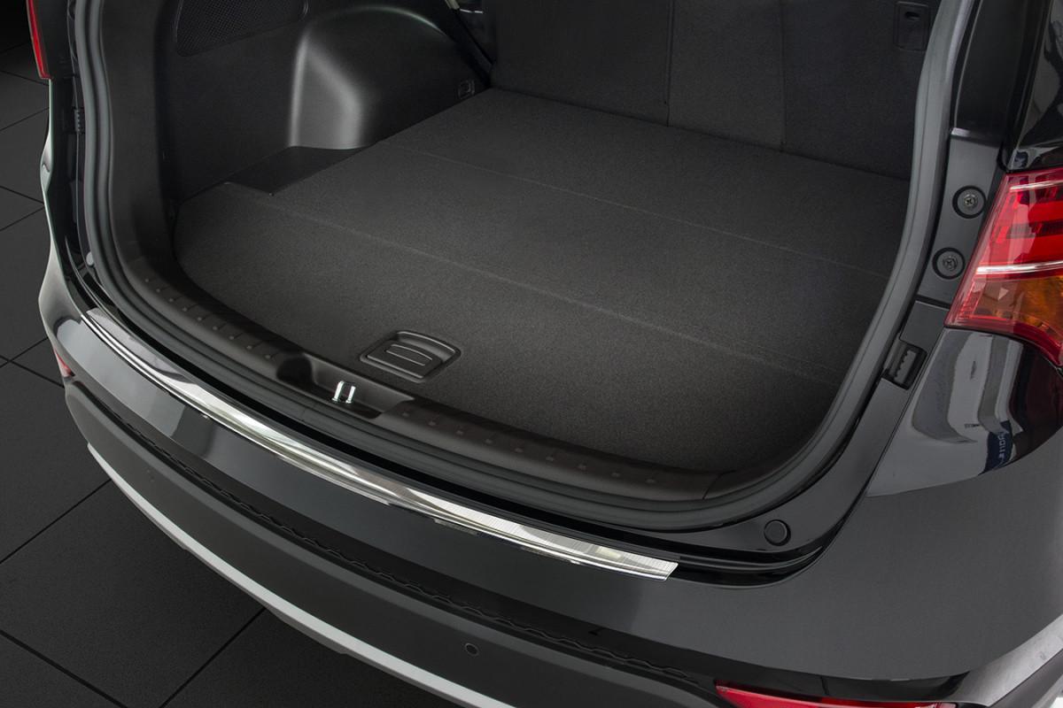 Ochranná lišta hrany kufru Hyundai Santa Fe 2012-2018 (matná)