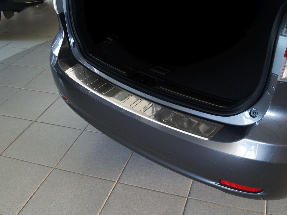 Ochranná lišta hrany kufru Toyota Avensis 2009-2015 (combi, matná)