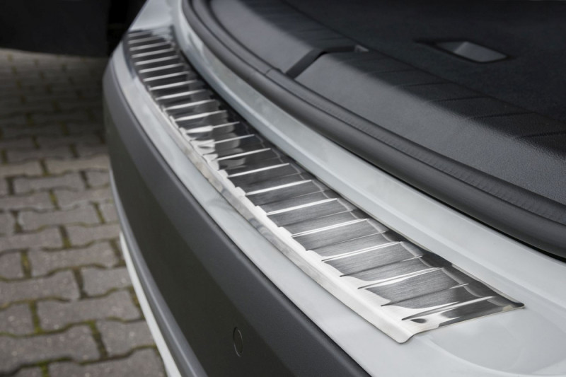 Ochranná lišta hrany kufru BMW X1 2015- (F48)