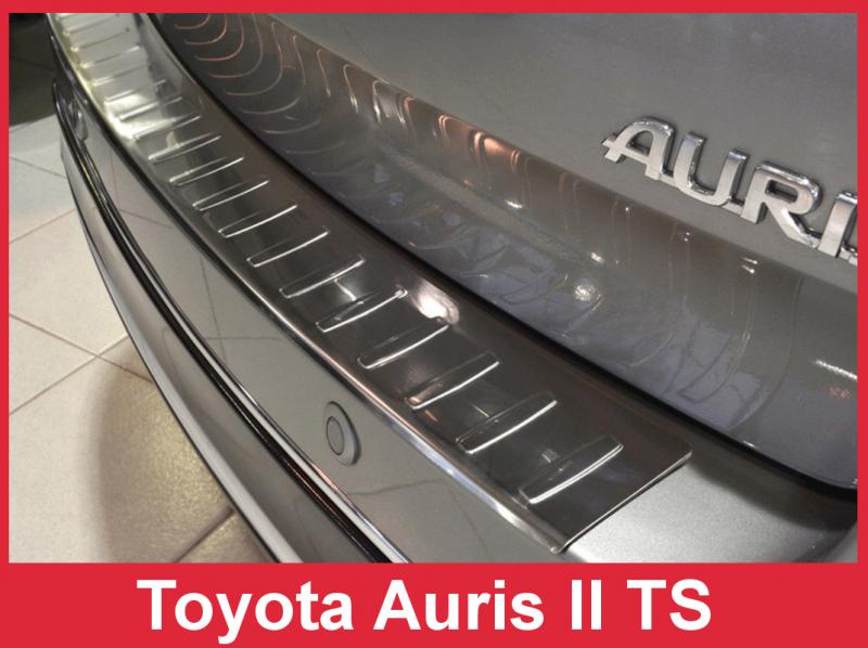 Ochranná lišta hrany kufru Toyota Auris 2012-2015 (combi)