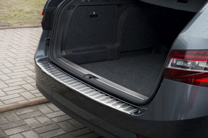 Ochranná lišta hrany kufru Škoda Superb III. 2015- (combi)