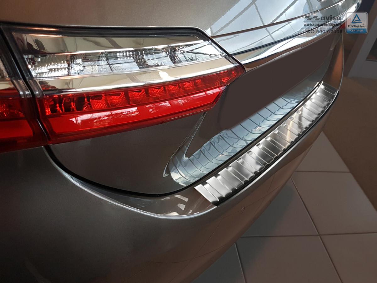 Ochranná lišta hrany kufru Toyota Corolla 2016- (sedan, po FL)
