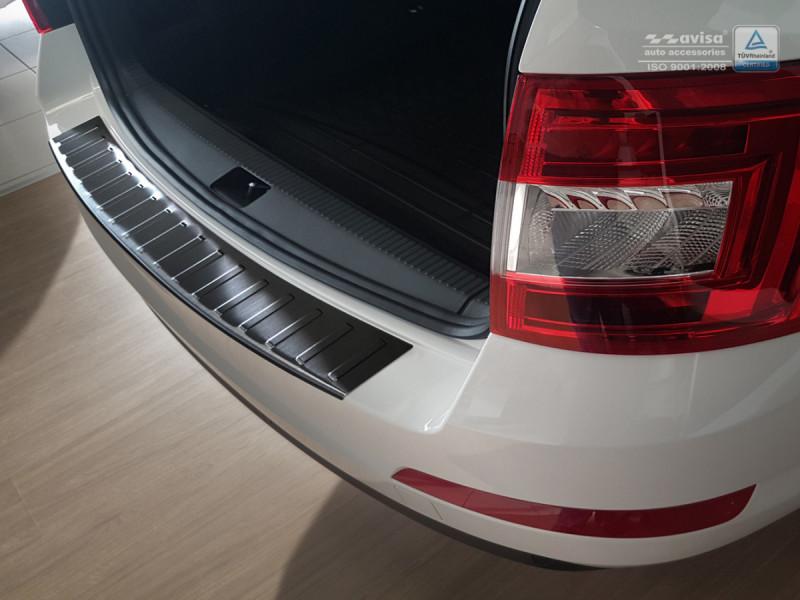 Ochranná lišta hrany kufru Škoda Octavia III. 2013-2017 (combi, tmavá)