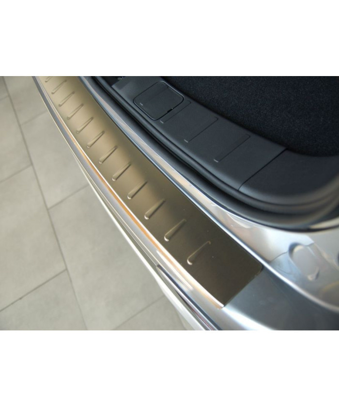Ochranná lišta hrany kufru VW Passat 2015- (combi)