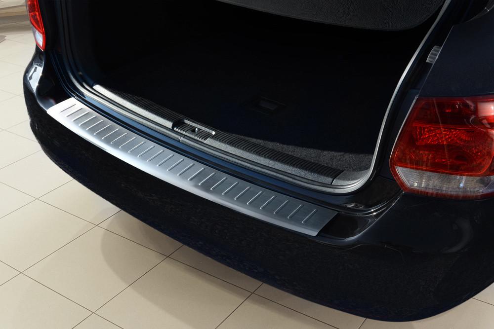 Ochranná lišta hrany kufru VW Golf VI. 2009-2012 (combi)