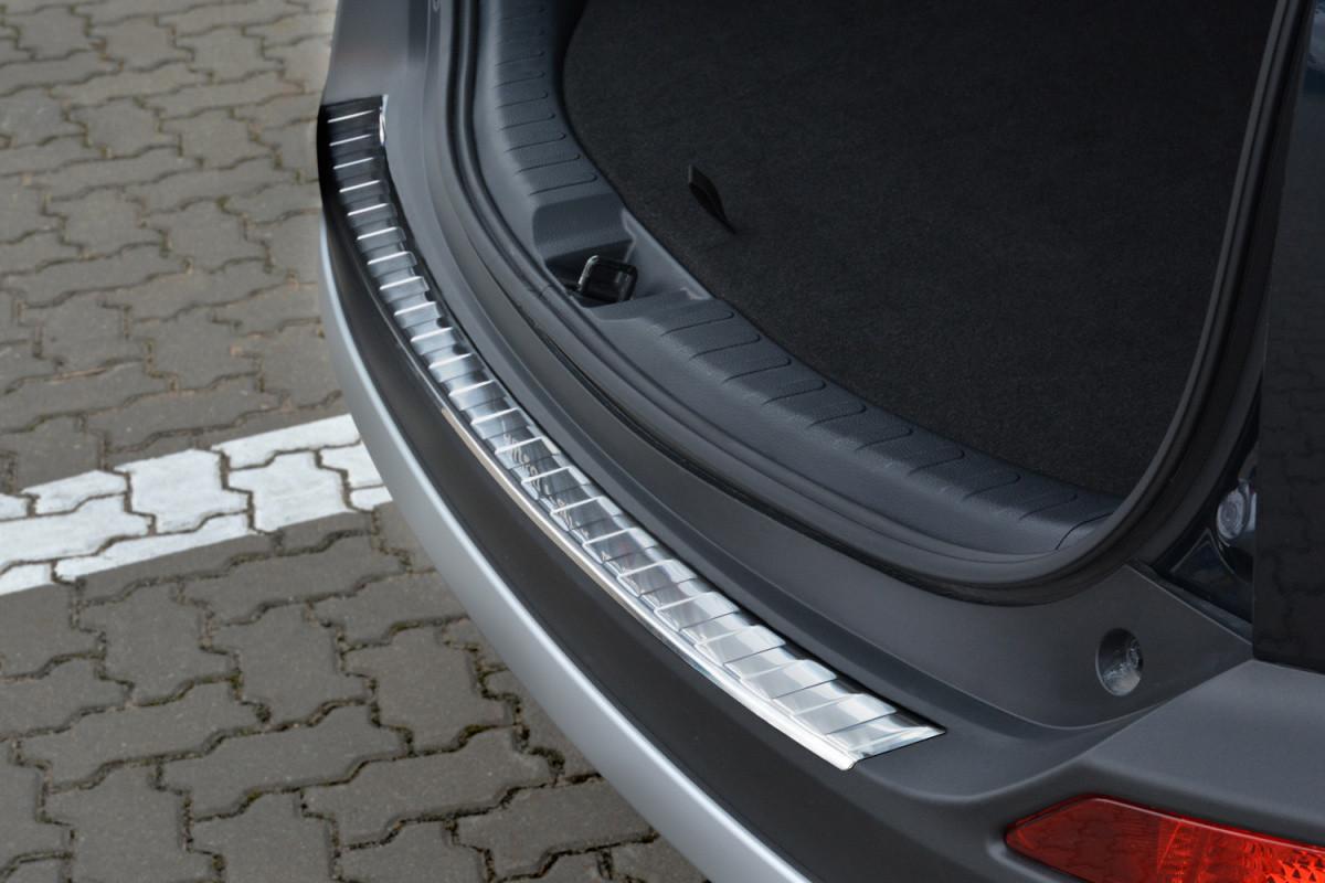 Ochranná lišta hrany kufru Toyota Rav4 2013-2015
