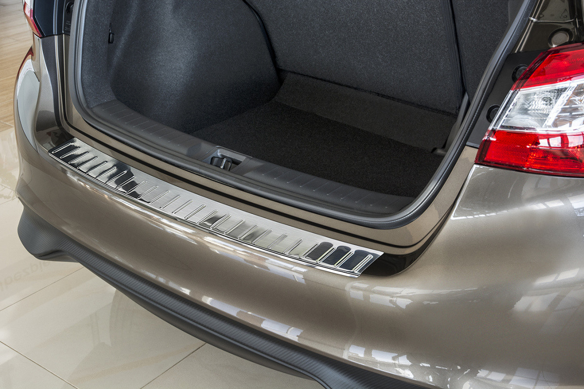 Ochranná lišta hrany kufru Nissan Pulsar 2014-2018