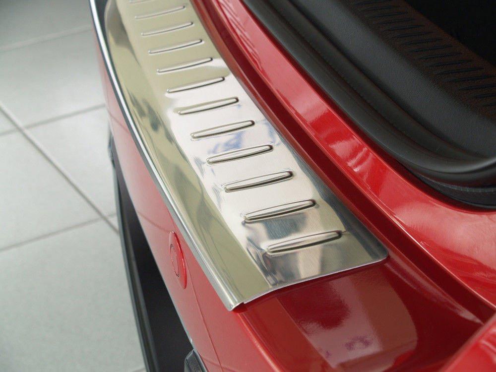 Ochranná lišta hrany kufru Toyota Auris 2012-2015 (hb)