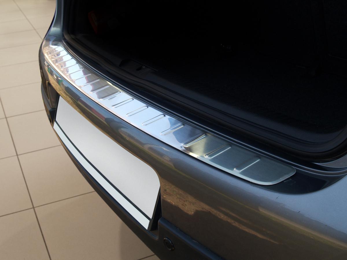 Ochranná lišta hrany kufru VW Golf V. 2003-2008 (hb)