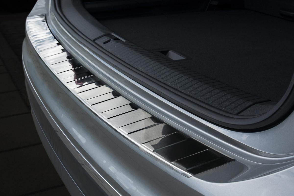 Ochranná lišta hrany kufru VW Tiguan 2016- (Allspace)