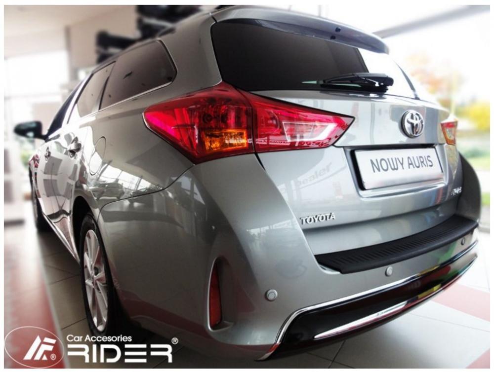 Ochranná lišta hrany kufru Toyota Auris 2012-2019 (combi)