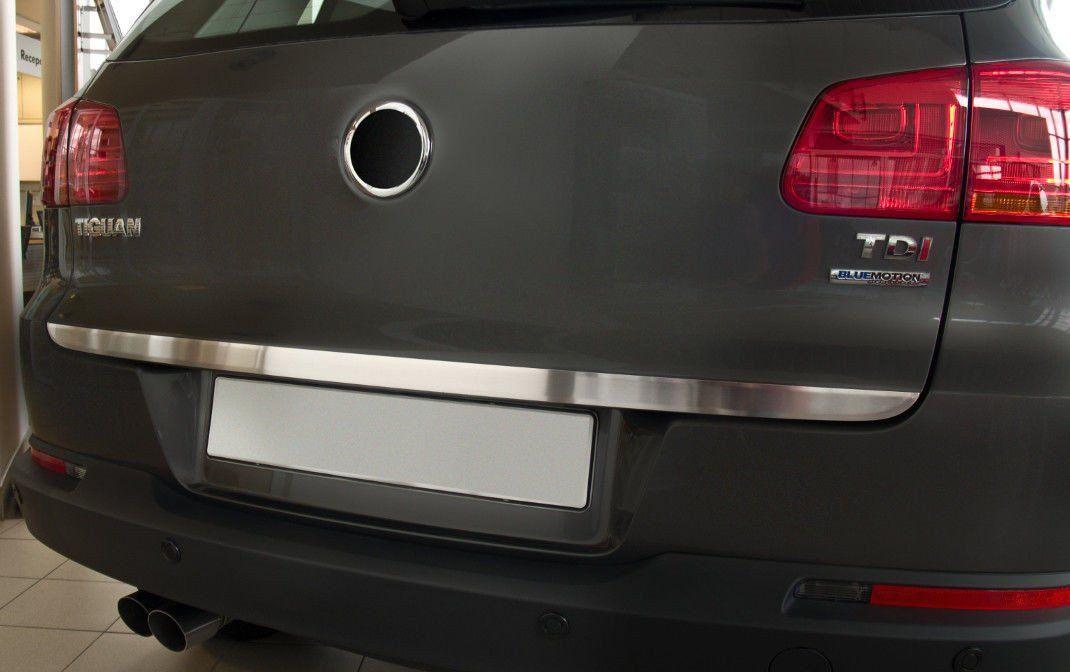 Ozdobná lišta dveří kufru VW Tiguan 2007-2016 (matná)